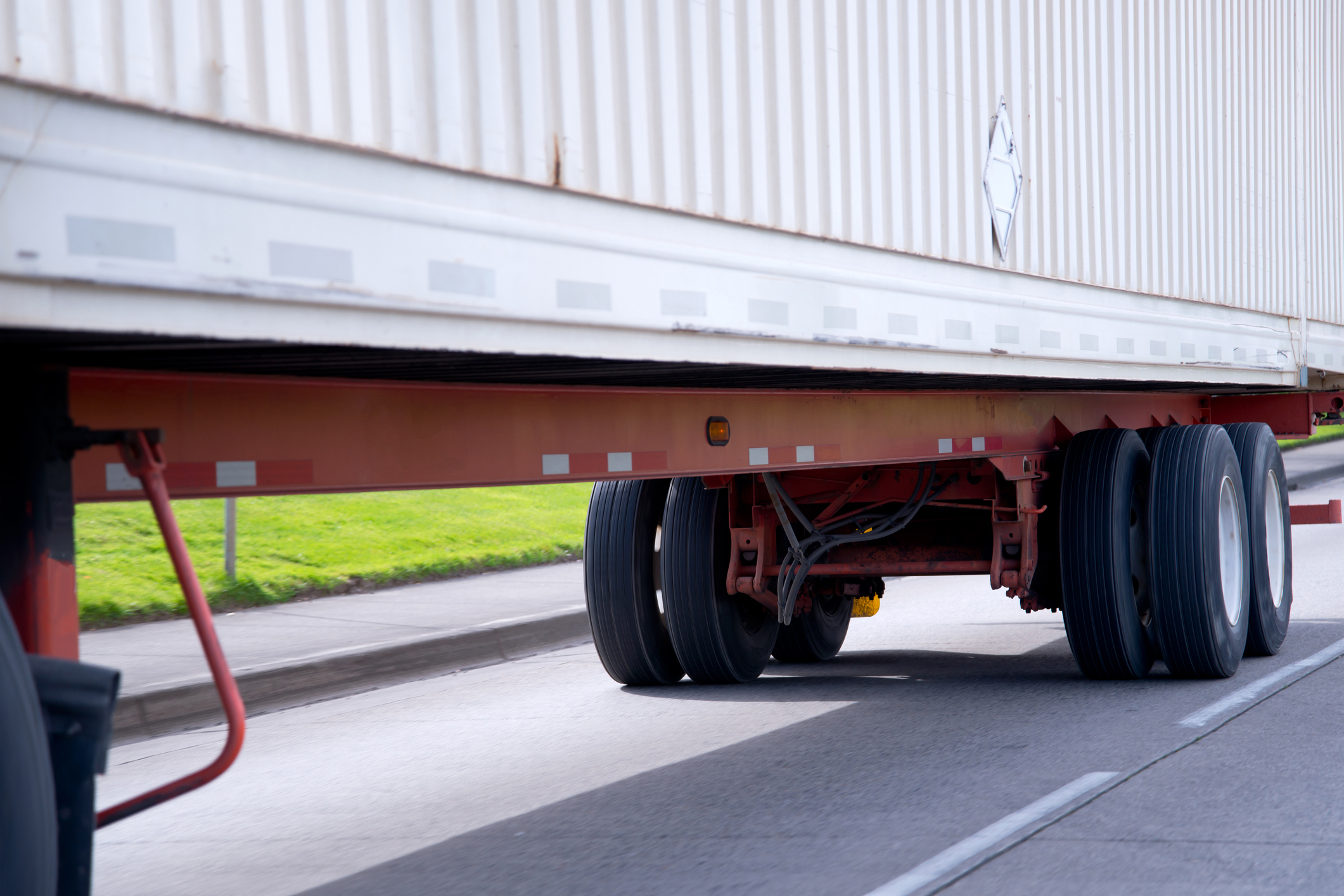 Unprecedented Container Volume Causing National Chassis Shortage